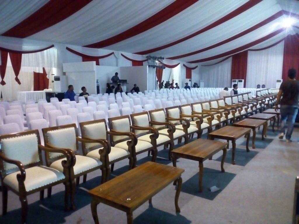 Menyewakan Peralatan Pesta Bekasi Pekayon Terlengkap dan terbaik - Kursi VIP dan Meja VIP