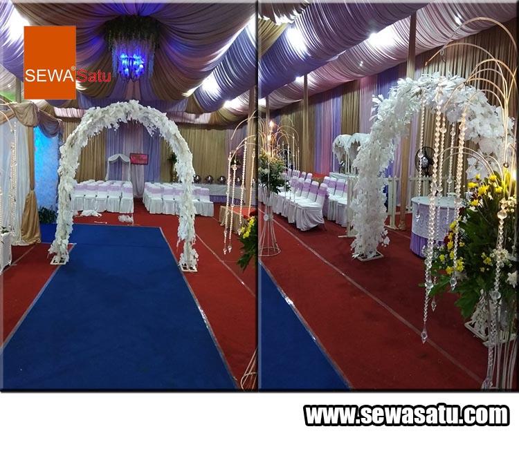 Persewaan dekorasi pernikahan seperti gapura pintu masuk dan keluar untuk sebuah acara pernikahan anda
